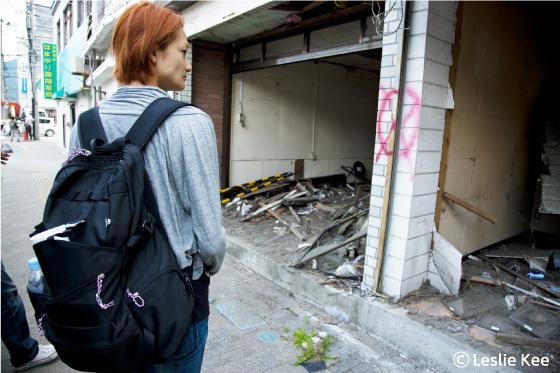 冨永愛さんが被災地を歩いている