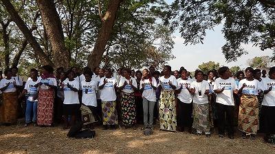 140名の母子保健推進員が妊産婦の命と健康の大切さを歌と踊りに込めてくれました