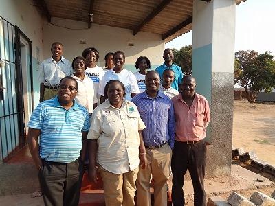 保健センタースタッフ、母子保健推進員とIPPFザンビアの関係者