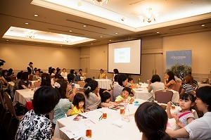 大橋さんの温かい人柄あふれるトークに聞き入る参加者の皆さん
