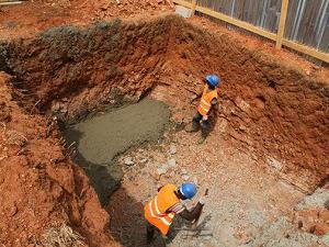 2012年1月 汚水処理タンク用工事