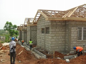 2012年3月 屋根枠および排水用外溝工事