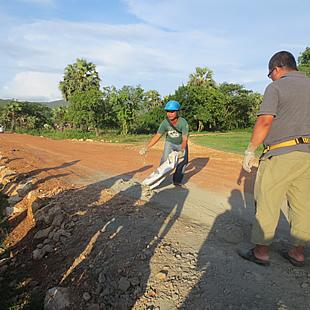 撮影のために、道路も建設されました。