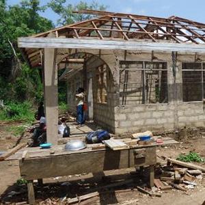 屋根をつける前のアグアジクロム診療所