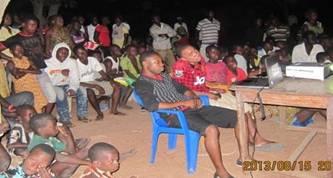 保健スタッフによる村での健康教育