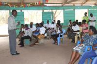 地域保健ボランティアの定期会合。各々がどう工夫しながら活動しているかなどの経験も共有