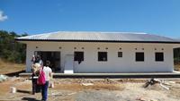 完成間近のマタニティハウス、他にワンストップ・サービス地区には、母子保健棟、助産師住居、ユースセンターが建設中