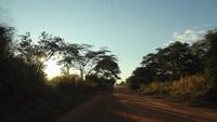 夕陽の落ちる帰り道