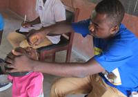 子どもたちへの予防接種も重要な診療活動のひとつです