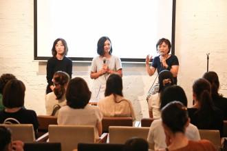 滞在を終えたモデルの堂珍敦子さん(写真中央)、女性誌VERY編集長の今尾さん(写真左)、ジョイセフ小野(写真右)