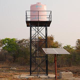 (株)グライドエンタープライズの支援によって新しく建てられた水タンク
