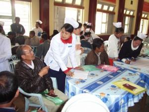地域リーダーと助産師が協力して、地域の保健分野の課題や、今後の保健活動の計画づくりを行いました。